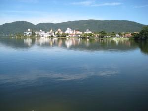 The Lagoon  (Lagoa)